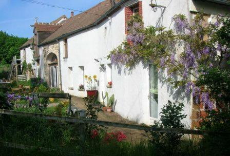 Chambre d'hôtes Ermitage Saint Romble : Bed and Breakfast near Saint-Martin-sur-Nohain