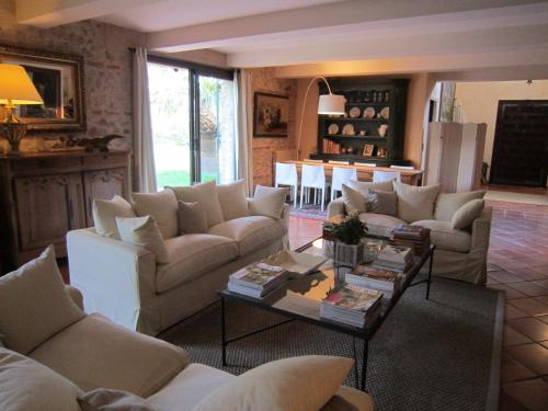 Le Mas Bresson : Bed and Breakfast near Saint-Féliu-d'Avall