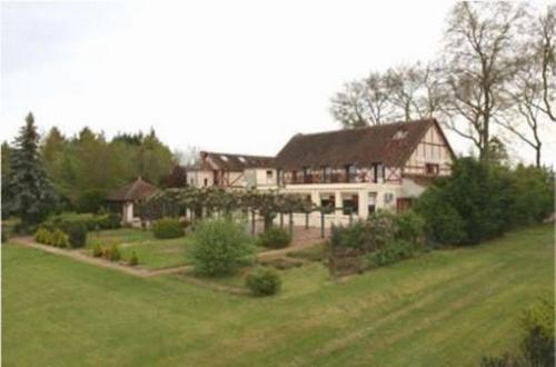 Le Coq Hardi : Hotel near Saint-Quentin-sur-Nohain