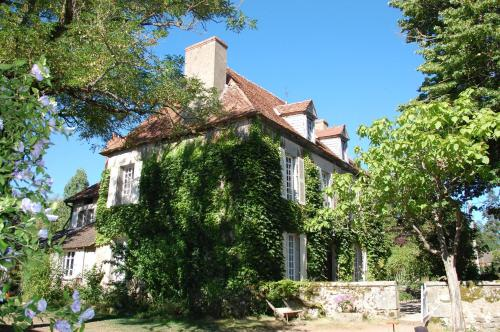 Le Mas d'en Haut : Guest accommodation near Boussac