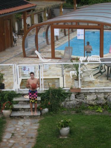 Logis Hôtel des Voyageurs : Hotel near Sauvessanges
