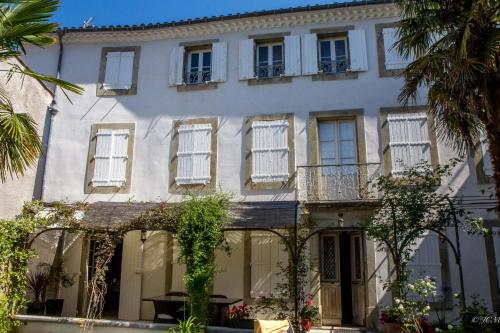 Le Patio Des Senteurs : Bed and Breakfast near Ladern-sur-Lauquet