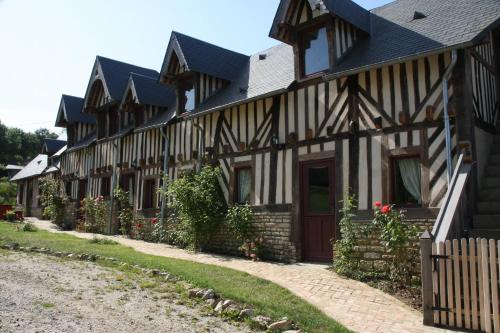 Manoir De Pontfol : Bed and Breakfast near Rumesnil