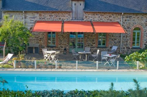 Tillac Chambres d'hôtes : Bed and Breakfast near Maure-de-Bretagne