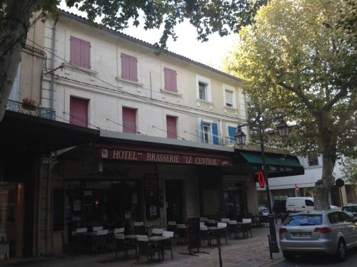 Hôtel Restaurant le Central : Hotel near Châteaurenard