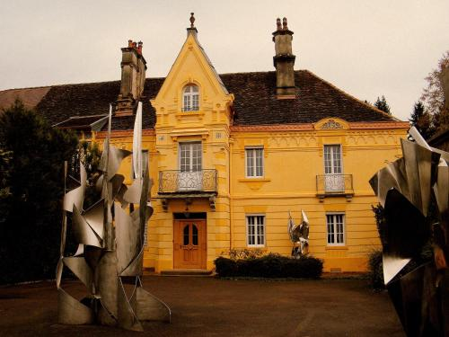 Villa des Capucins : Apartment near Dambenoît-lès-Colombe
