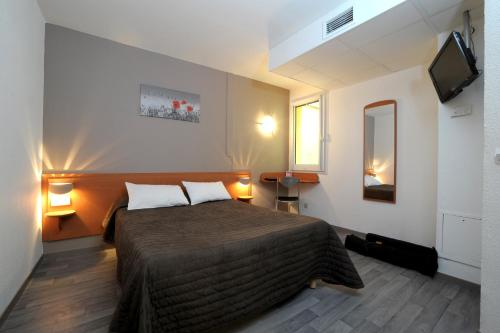 Enzo Hotel Chalons : Hotel near Somme-Suippe