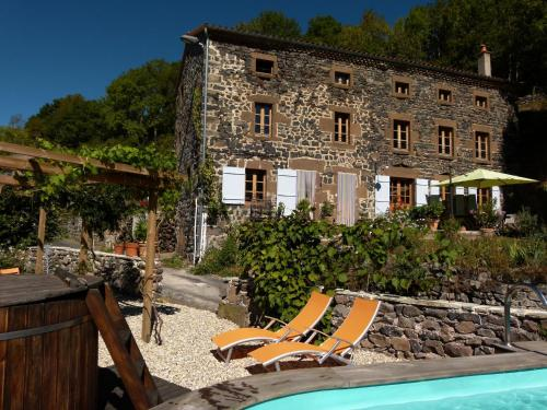 Art et Création : Bed and Breakfast near Sainte-Eulalie