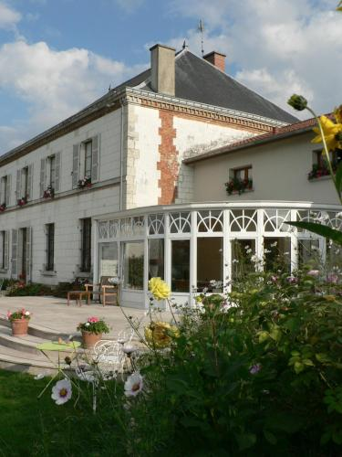 Entre Cour et Jardin : Bed and Breakfast near Somme-Suippe