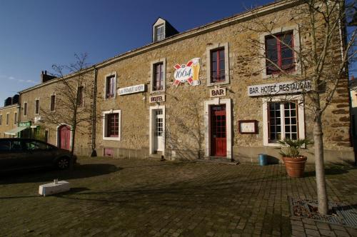 La Boule d'Or : Hotel near Parcé-sur-Sarthe