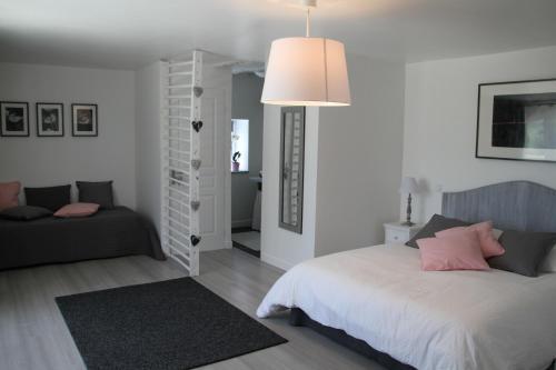 La Maison d'Emile - Chambres d'Hôtes : Bed and Breakfast near La Rouquette