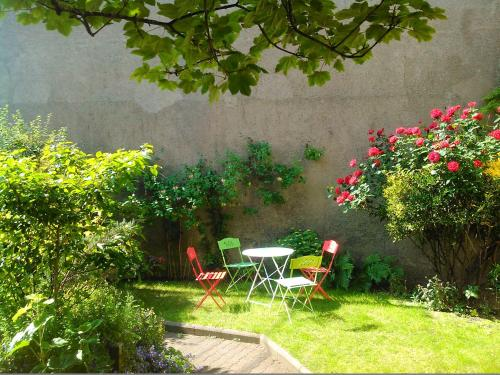Villa Les Palmiers : Bed and Breakfast near Wimille