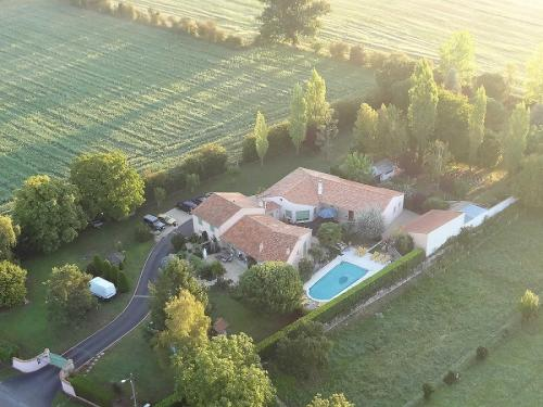 Chambres d'hôtes Les Fuyes : Bed and Breakfast near Villiers-en-Plaine