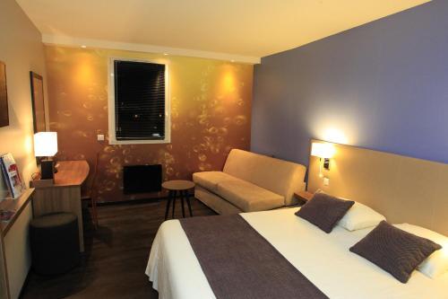 Qualys Hotel Reims Tinqueux : Hotel near Chaudardes