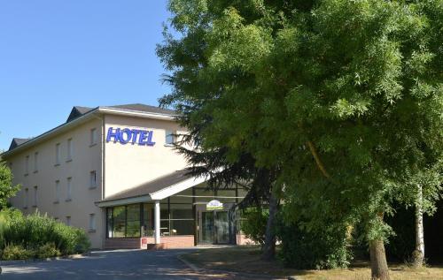 Inter-Hotel Château-Gontier Le Clos de l'Orgerie : Hotel near Aviré