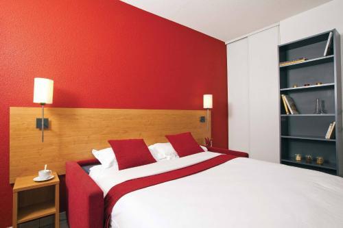 Séjours & Affaires Lyon Park Lane : Guest accommodation near Lyon 9e Arrondissement