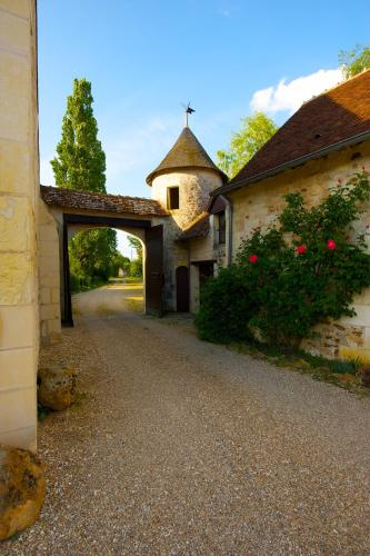 Manoir de la Foulquetiere : Bed and Breakfast near Saint-Martin-de-Lamps
