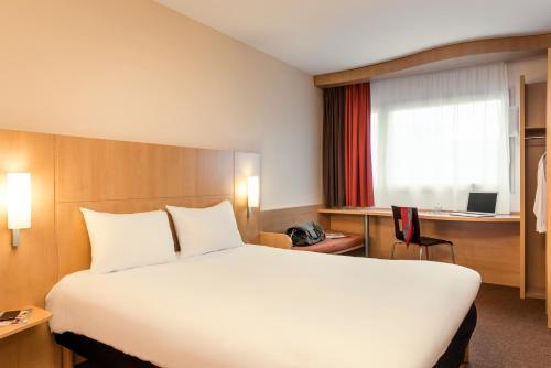 ibis Paris Pont de Suresnes Longchamp : Hotel near Saint-Cloud