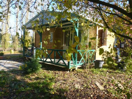 Chalet Du Bas-Mée : Guest accommodation near Taillis