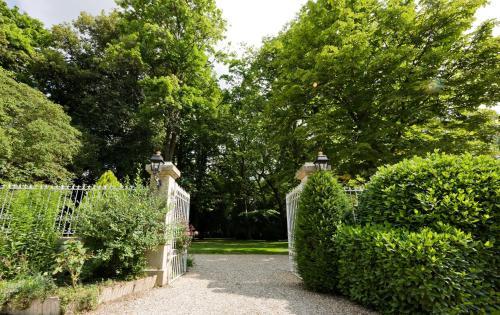 Le Parc de l'Hostellerie : Hotel near Bragny-sur-Saône