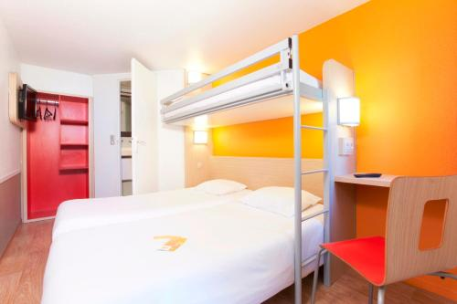 Premiere Classe Caen Est - Mondeville : Hotel near Cauvicourt