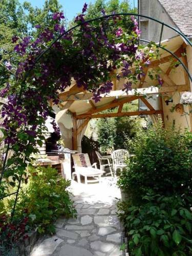 Chambre d'hôtes : Les Terrasses : Bed and Breakfast near Saint-Lucien