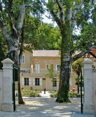Villa Aurenjo : Bed and Breakfast near Piolenc