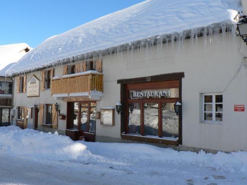 Auberge des deux Moucherolles : Guest accommodation near Monteynard