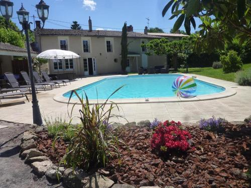 Villa Corterra Sauternes : Bed and Breakfast near Saint-Michel-de-Rieufret