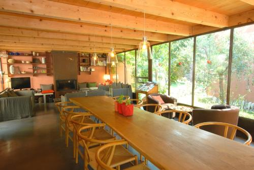 Les Pierres Sauvages : Bed and Breakfast near Rocbaron