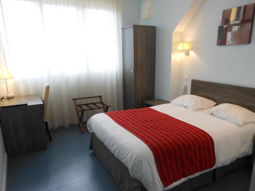Hotel du Parc : Hotel near Saint-Martin-d'Abbat