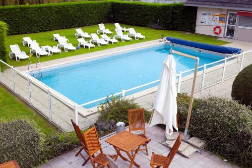 Kyriad Deauville - St Arnoult : Hotel near Canapville