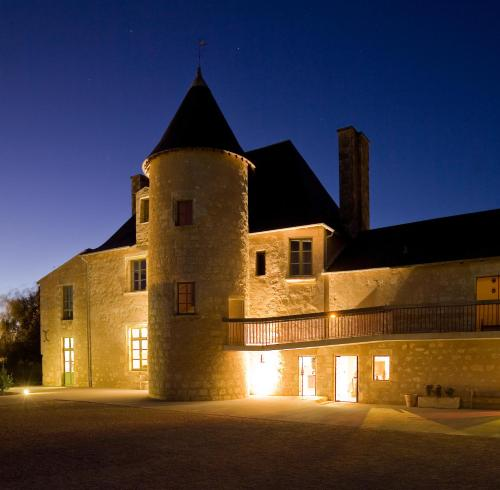 Hotel The Originals Domaine du Normandoux (ex Relais du Silence) : Guest accommodation near Civaux