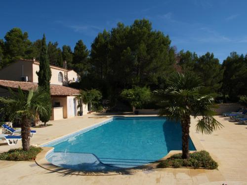 Chambres d'hôtes Roque Blanc en Provence : Bed and Breakfast near La Roque-d'Anthéron