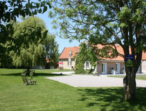 La Haute Muraille : Bed and Breakfast near Cappelle-Brouck