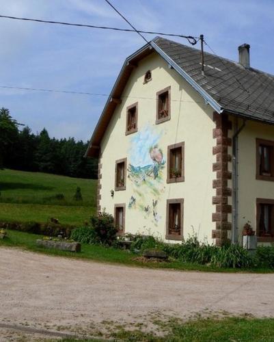 Ferme Schrutt-Tisserand : Guest accommodation near Soultzeren