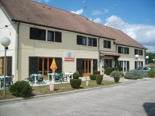 Hôtel Le Pressoir - Auxerre Appoigny : Hotel near Saint-Aubin-sur-Yonne