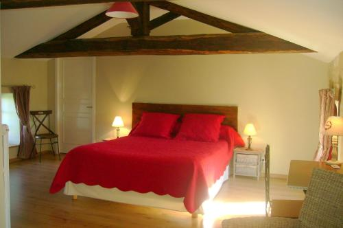 Chambres d'Hôtes Le Tilleul : Bed and Breakfast near Les Groseillers