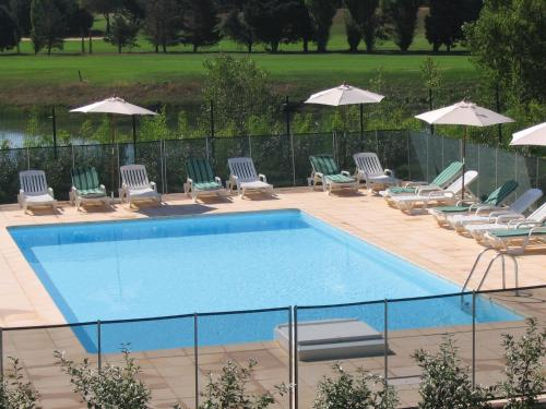 Residhotel Golf Grand Avignon : Guest accommodation near Morières-lès-Avignon