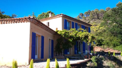 Cotignac-Bellevue : Guest accommodation near Cotignac