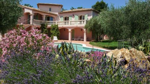 Villa Floralis : Guest accommodation near Saint-Cézaire-sur-Siagne