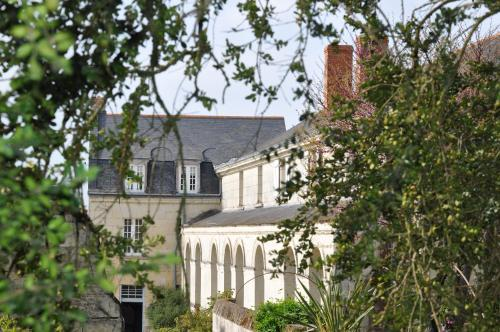 Manoir de Boisairault : Bed and Breakfast near Épieds