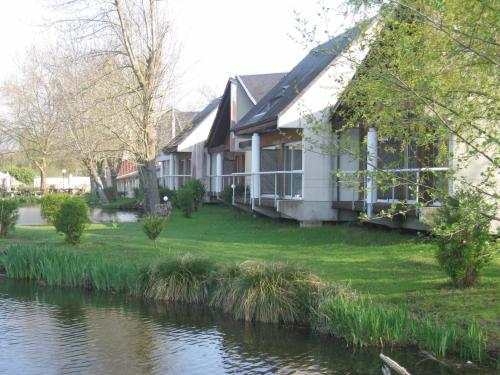 Hôtel L'ile Du Saussay : Hotel near Torfou