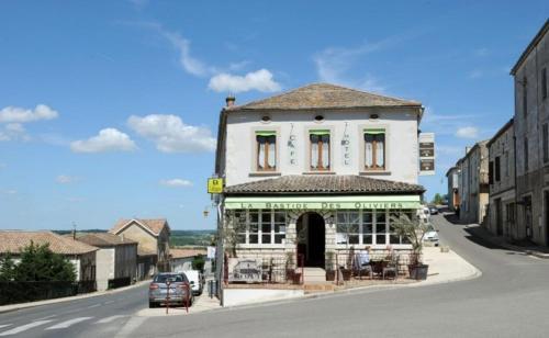 Logis Hôtel La Bastide des Oliviers : Hotel near Saint-Eutrope-de-Born