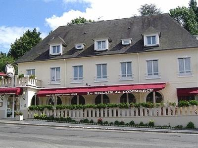 Logis Hotel Du Commerce : Hotel near La Lande-Patry