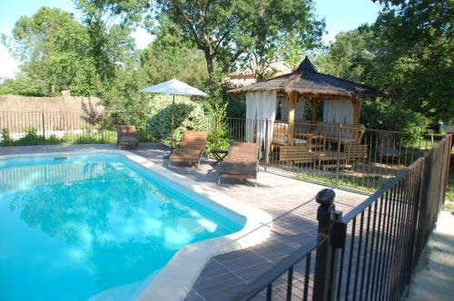 Les Jardins d'Estriat : Guest accommodation near Cassagnoles