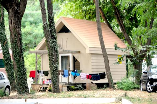 Camping Bellerive : Guest accommodation near Aramon