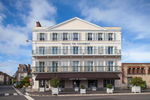Hôtel de Londres : Hotel near Vernou-la-Celle-sur-Seine