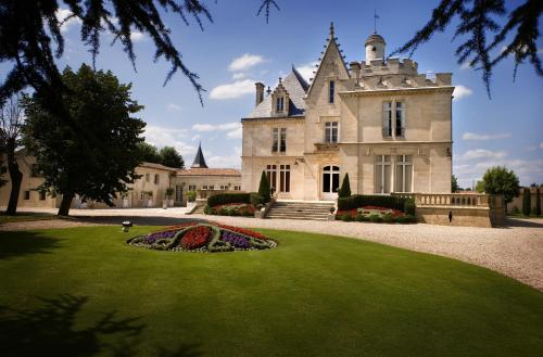 Château Pape Clément : Bed and Breakfast near Martignas-sur-Jalle