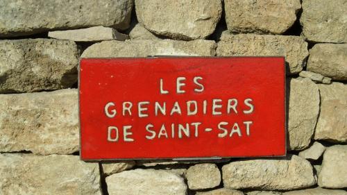 B&B - Les Grenadiers de Saint Sat : Bed and Breakfast near Saint-Saturnin-lès-Apt
